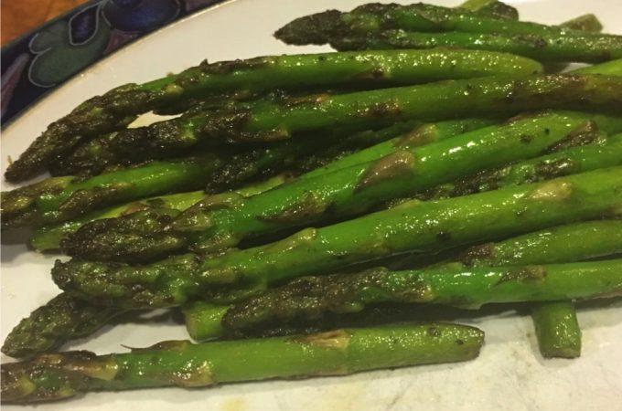 Pan Seared Asparagus With Garlic