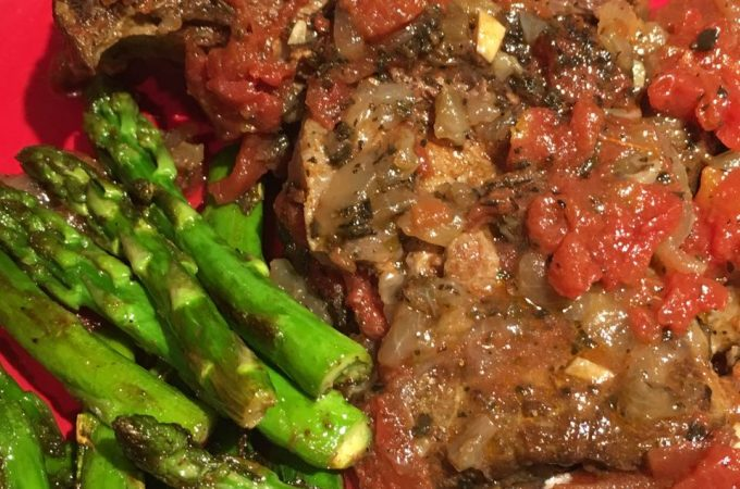 Braised Beef Shank With Garlic And Tomatoes